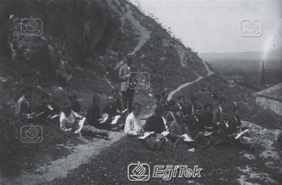 Hoca İlyas Mektebi (Okulu) resim dersi 1926
